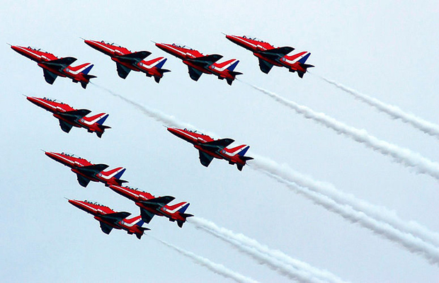 Red-Arrows-display-post
