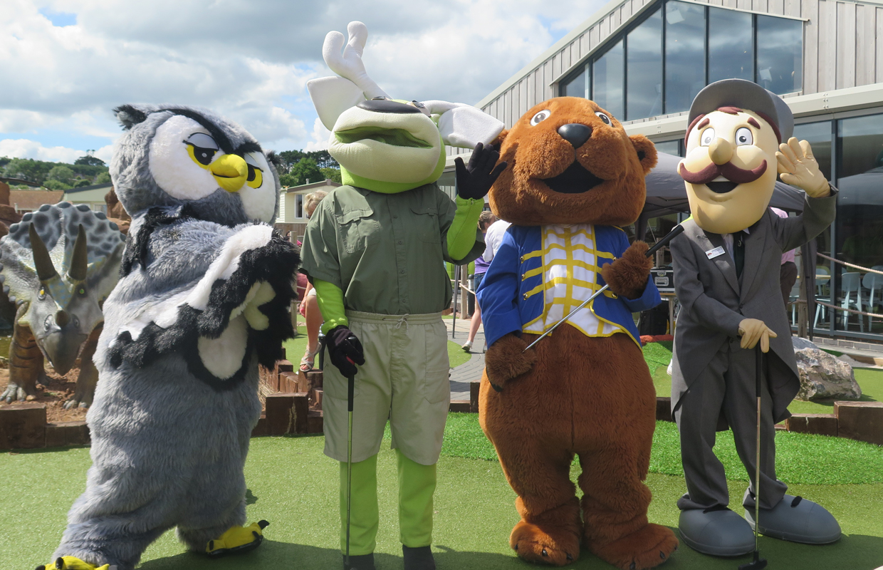 Mascots Golf Championship 2016 other characters