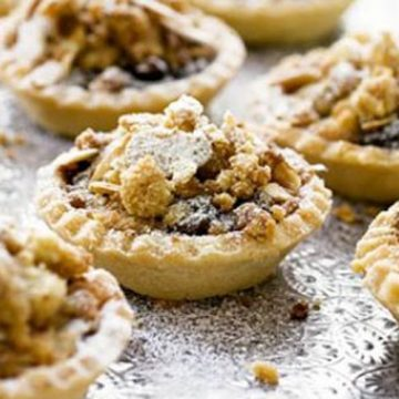 Mince pies with custard & crumble