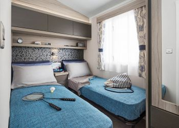 Antibes Twin Bedroom