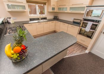 Lyme Bay Lodge - Kitchen Area