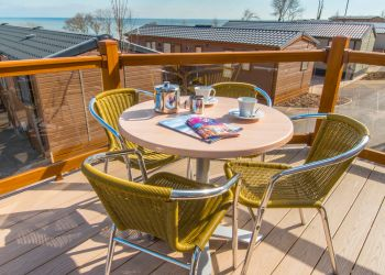 Lyme Bay Lodge - Decking Area