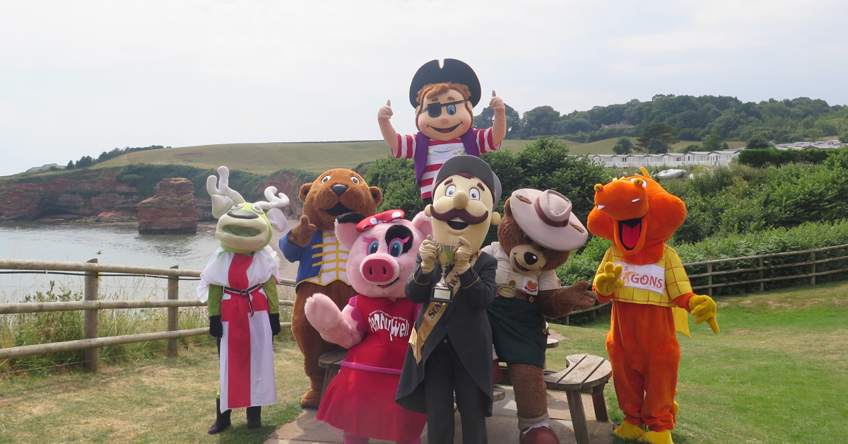 Mascots-golf-2018-group-on-Ladram-Bay-cliff